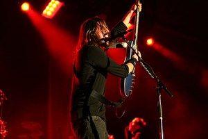 Consumers look to celebrities such as Dave Grohl of the Foo Fighters to help them construct identity, which influences purchasing decisions. (credit: Scott Flanagin, University of Arkansas)
